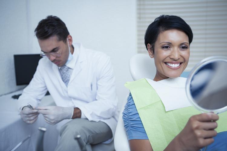 ¿Dónde realizar un tratamiento de carillas dentales?
