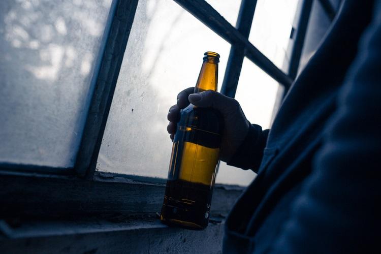 close-up-beer-bottle_28699