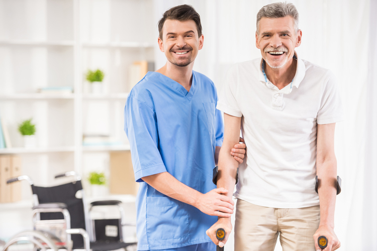 Guía de cuidados después de la colocación de una prótesis de cadera