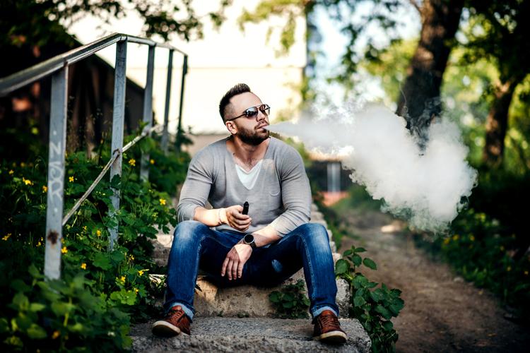 Consecuencias para la salud oral de los cigarrillos electrónicos