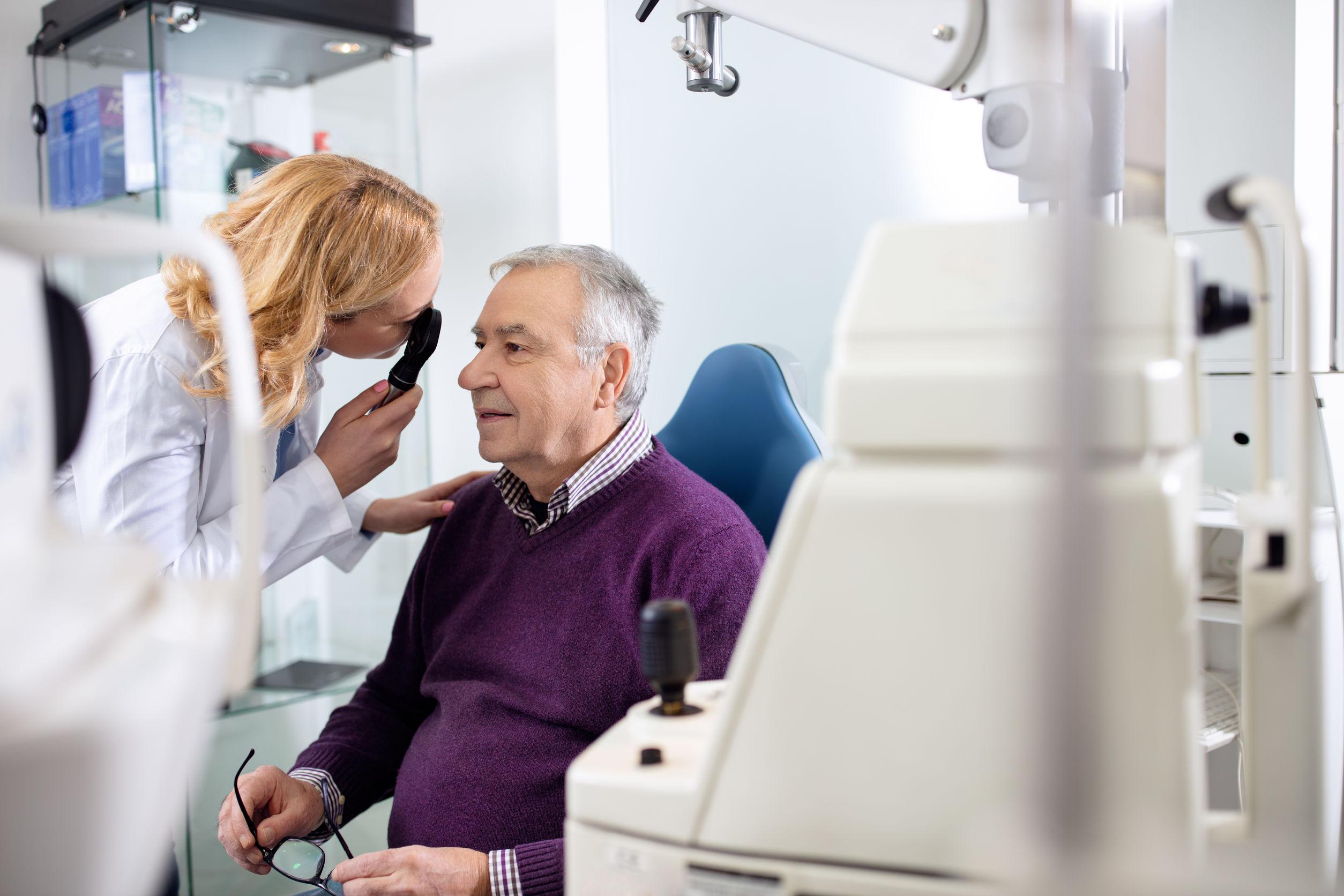 acudir al oftalmólogo