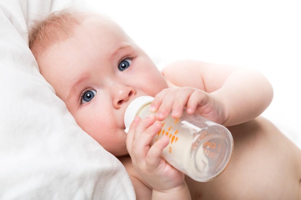 leche de fórmula bebés