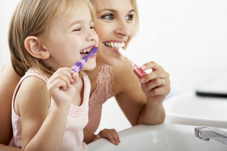 ¿Hay que tratar las caries en los dientes de leche?