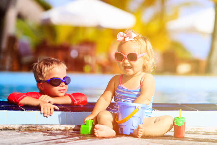 ¿Debo poner gafas de sol a mi bebé?
